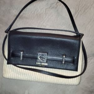Kate Spade purse excellent condition and great pr